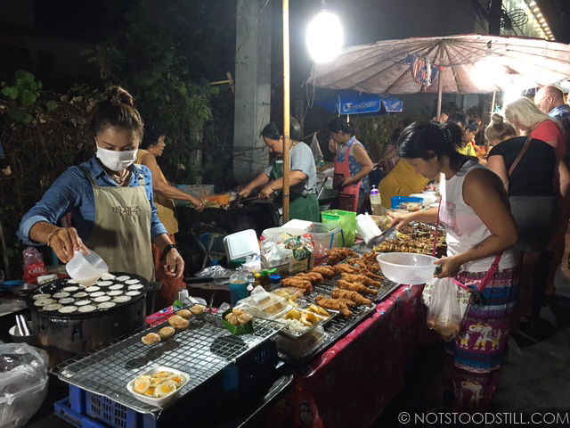The evening food market at White Sand Beach main road - lots of choices and all affordable.