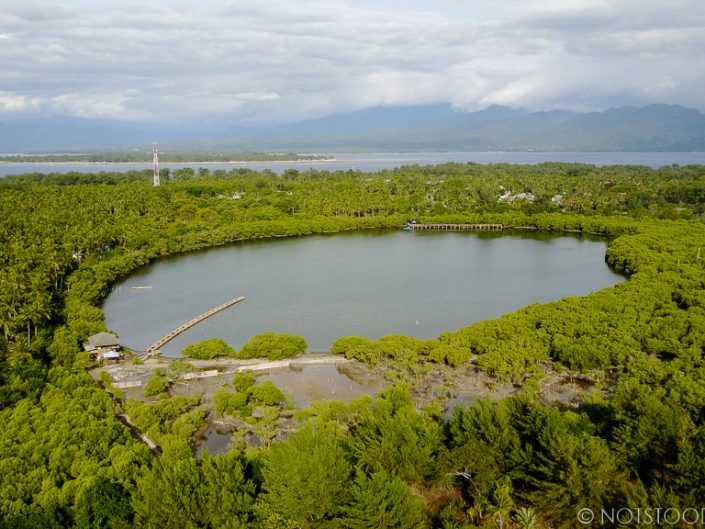 Gili Meno lake - the island preserves much of its nature