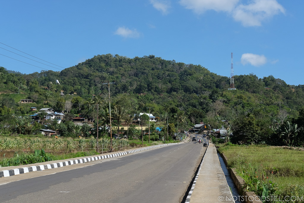 The small village town of Moni, the closest base to Kelimutu Volcano
